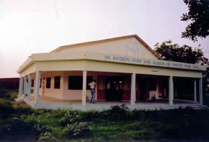 Benin - Chiesa finita