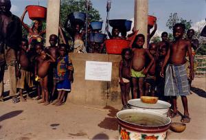 Benin - Pozzo costruito